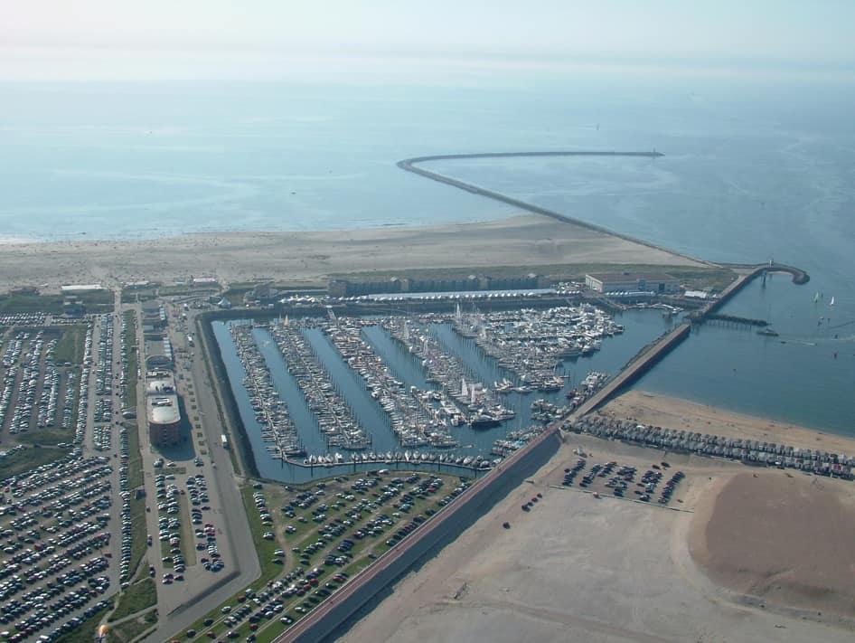 IJmuiden aan Zee seaport marina